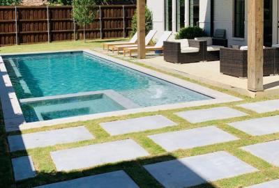Geometric pool with level spa