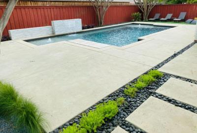 Geometric Pool with bubblers and sheer descent