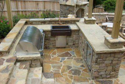 U-shaped Outdoor Kitchen
