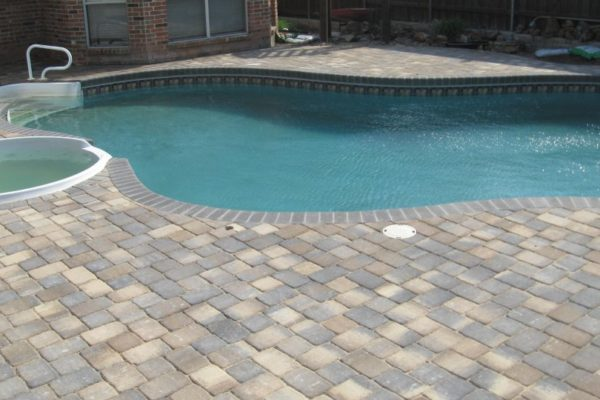 Pool Decking with Concrete Pavers2